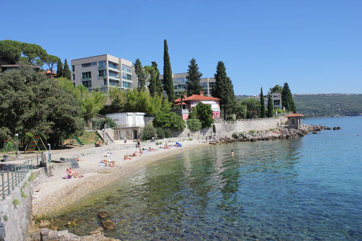 Strand lipovica opatija kroatien hotels apartments for Kroatien designhotel
