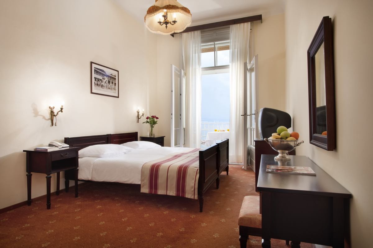 Hotel Bristol, Lovran